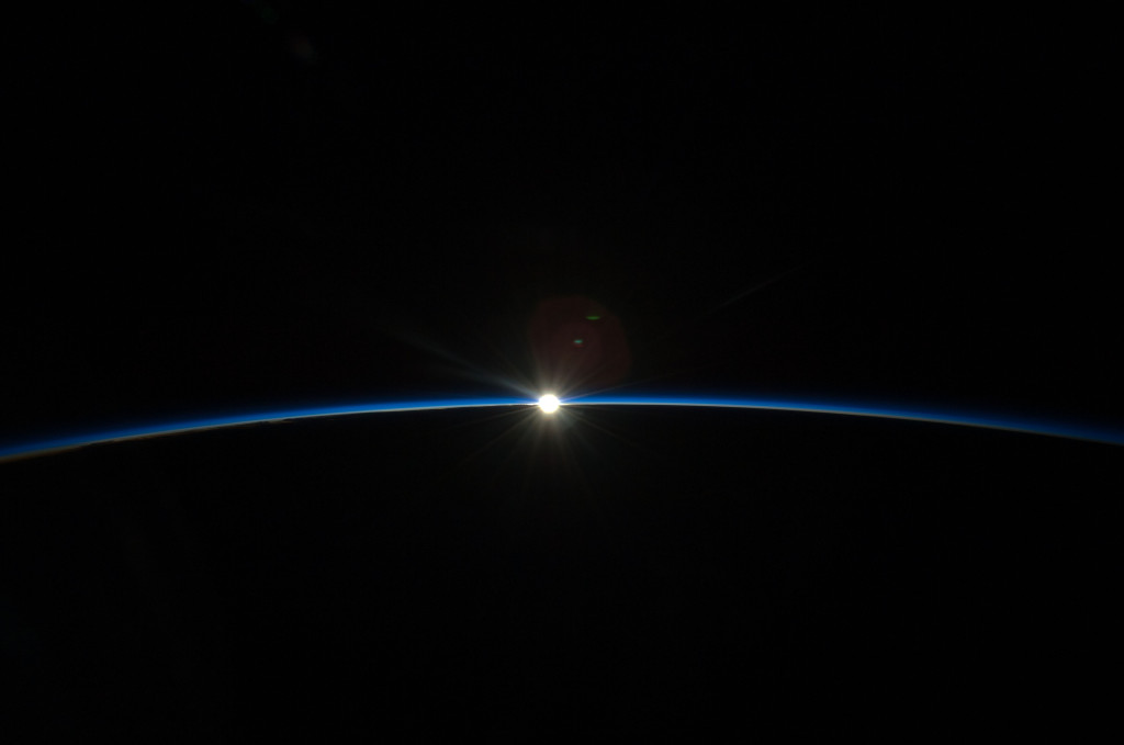 Sunset, photographed from ISS Expedition 20 with Frank De Winne. Foto: NASA